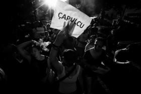 Hunderte bei Street Parade gegen die Regierung von Tayyip Erdogan in Kreuzberg